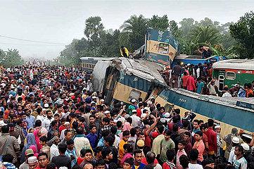 BANGLADESH-DHAKA-Zugunglück