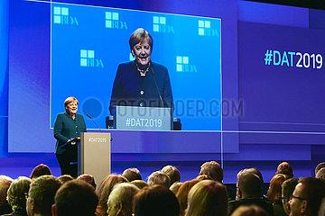 Berlin  Deutschland - Angela Merkel bei einer Rede zum Deutschen Arbeitgebertag 2019.