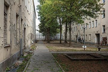 Leerstehende Altbauten in der Herzbergstrasse in Berlin-Lichtenberg