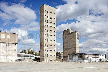 Industrieruine der VEB Elektrokohle Lichtenberg (EKL) in der Herzbergstrasse in Berlin-Lichtenberg