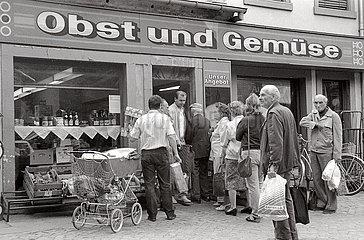 HO Obst und Gemuese Laden  Radebeul  DDR  1990
