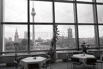 DDR  Ostberlin  Stadtmitte  Mai 1990