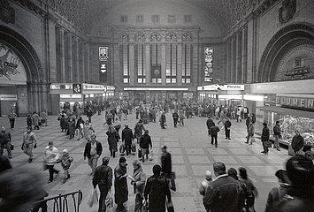 Leipziger Hauptbahnhof  Eingangshalle  1989