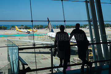Phuket  Thailand  Passagierflugzeuge auf dem Vorfeld am Flughafen Phuket