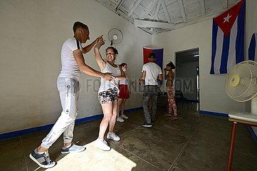 Kuba  Trinidad - Salsa Tanzschule in der Stadt