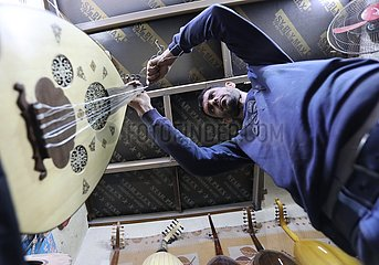 IRAK-BAGDAD-traditionelle DICHTUNGSKITT MAKER