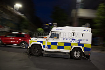 Grossbritannien  Nordirland  Belfast - gepanzerter Streifenwagen des Police Service of Northern Ireland  heute konfessionell gemischt
