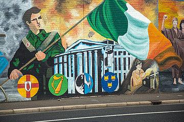 Grossbritannien  Nordirland  Belfast - Politische Wandmalerei  Falls Road  katholisches West Belfast