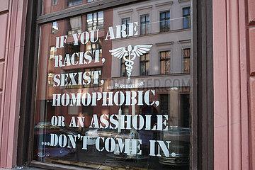gegen Rassismus  Sexismus und Homophobie