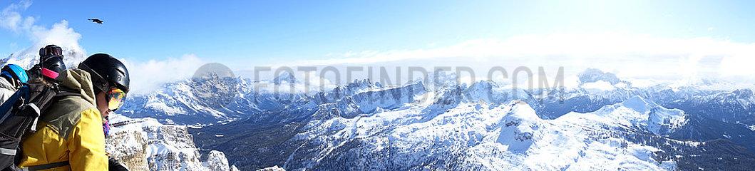 Armentarola  Italien  Panoramablick auf die Dolomiten