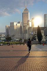 Hong Kong  China  Blick auf den Stadtteil Wan Chai mit dem Hong Kong Central Plaza Hotel