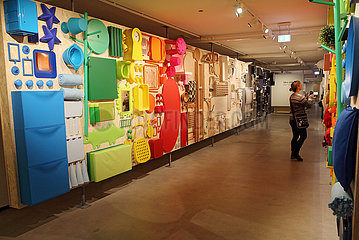Aelmhult  Schweden  Besucherin im IKEA-Museum