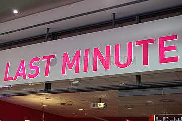 Berlin  Deutschland  Schriftzug Last Minute