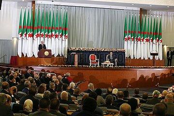 ALGERIEN-ALGIERS-NEUER PRÄSIDENT-vereidigt