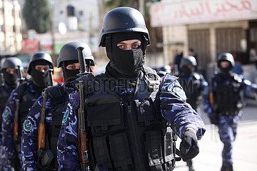 MIDEAST-Tulkarem-MILITÄRPARADE-Fatah-Partei-Gründungstag