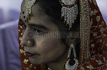 INDIEN-MUMBAI-MASS WEDDING