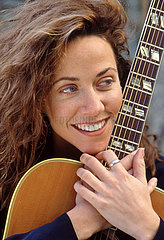 Sheryl Crow  amerikanische Rocksaengerin  Portraet  1994
