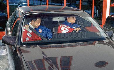 Franz Beckenbauer  neuer Trainer beim FC Bayern Muenchen  mit Co-Trainer Klaus Augenthaler  1994
