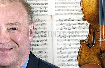 Dietmar Machold  Geigenhaendler  Stradivar  2001