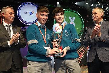 IRLAND-DUBLIN-YOUNG WISSENSCHAFTLER-Technologie-Ausstellung