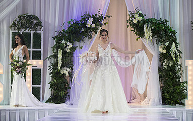 KANADA-TORONTO-WEDDING DRESS-BRAUT SHOW
