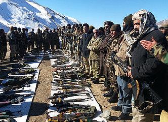 AFGHANISTAN-GHOR-militärisch bewaffneter Aufständischer-GIVE UP BEKÄMPFUNG