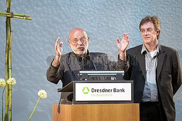 Dresdner Bank AG Region Ost Berlin 16. PARISER PLATZ DER KULTUREN: WM SPEZIAL