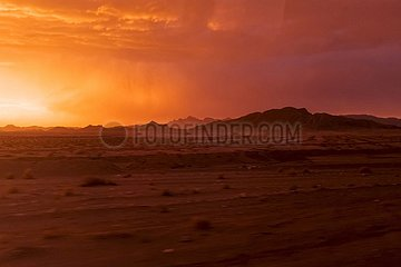 Iran  Wüstenlandschaft im Abendlicht | Iran  desert landscape in the evening light