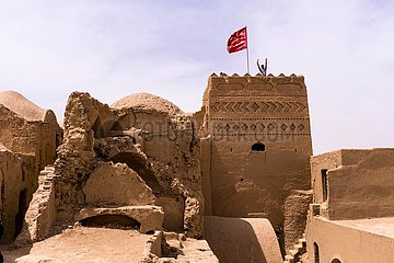 Iran  Turm der historischen Sar Yazd Festung | Iran  tower of the historic Sar Yazd Fortress