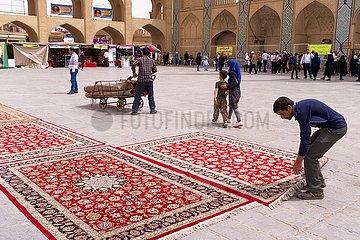 Iran  Gebetsteppiche zum Gottesdienst im Freien | Iran  prayer rugs for worship outdoors