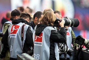 Fotografen bei einem Bundesliga-Spiel