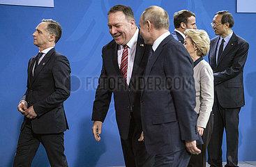 Maas + Pompeo + Putin + Der Leyen + Macron + Yan Jiechi