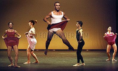Tanz im August 2004 OH MY GODDESS
