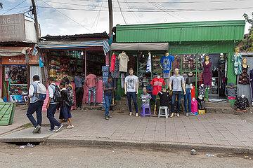 Addis Abeba  Aethiopien - Kleidergeschaeft in der Innenstadt