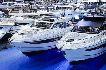 Luxusyachten  Messe boot Duesseldorf  Nordrhein-Westfalen  Deutschland