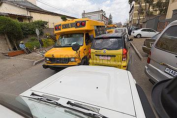 Addis Abeba  Aethiopien - Verkehrsstau  Strassenverkehr in der Innenstadt