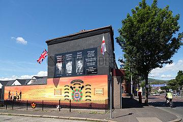 Grossbritannien  Belfast - Wandbild des Red Hand Commando  Shankill Road  protestantischer Teil von West Belfast