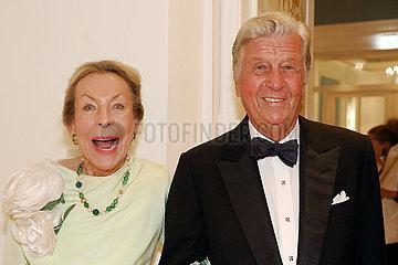 Hamburg  Deutschland  Albert Darboven  Unternehmer  mit Ehefrau Edda