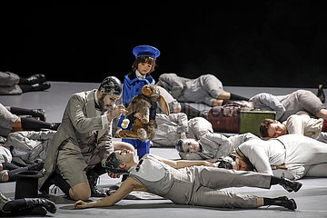 Deutsche Oper Berlin A MIDSUMMER NIGHT'S DREAM