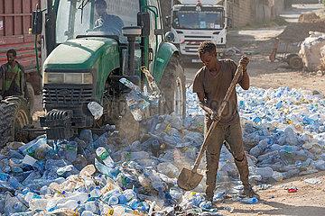Adama  Oromiyaa  Aethiopien - Plastikflaschen  Muellverwertung