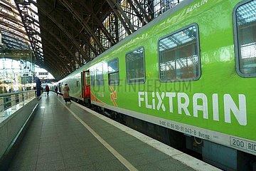Flixtrain im Kölner Hauptbahnhof | Flixtrain in Cologne Central Station