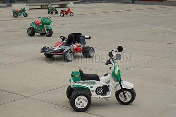 Pr‰sentation von Kinderfahrzeugen der Firma Peg Perego | Presentation of children's vehicles from Peg Perego