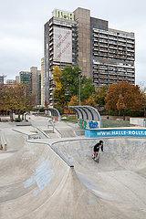 Skaterpark im Plattenbauviertel Halle-Neustadt