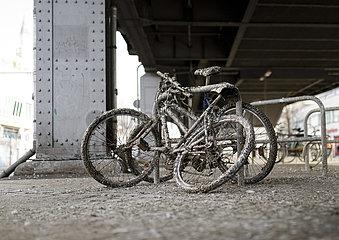 Fahrrad mit Vogelkot