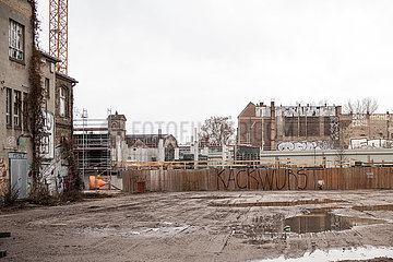Baustelle fuer ein Buerogebaeude zwischen Kynaststrasse und Glasblaeserallee auf der Halbinsel Stralau in Berlin-Friedrichshain