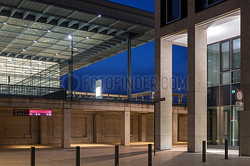 Flughafen Berlin Brandenburg Willy Brandt BER