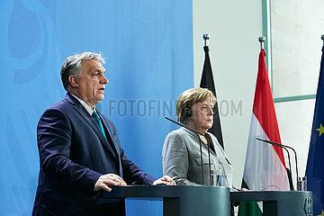 Berlin  Deutschland - Viktor Orban  Ministerpraesident von Ungarn und Bundeskanzlerin Angela Merkel.