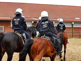 Reiterstaffel der Polizei Nordrhein-Westfalen | Reiterstaffel of the police of North Rhine-Westphalia