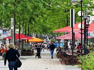 Straßencafés in Bahnhofstraße in Herne | street cafes in Bahnhofstrasse in Herne