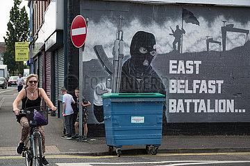 Grossbritannien  Belfast - Militante  politische Wandmalerei  protestantisches East Belfast